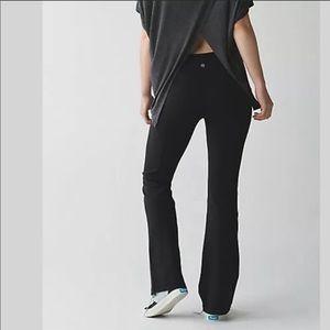 Lululemon Groove Black Flare Pants size 6